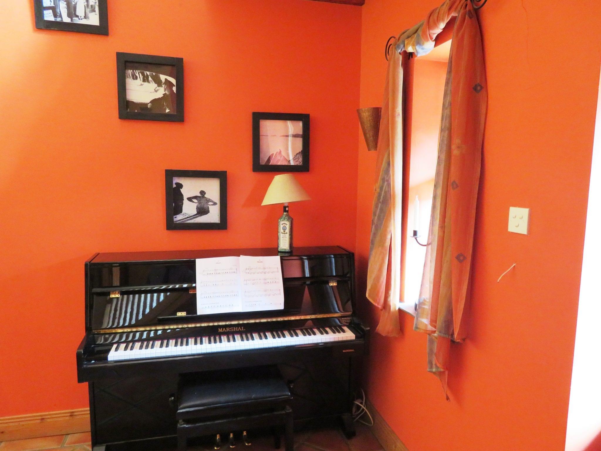 IMG_0010 Piano