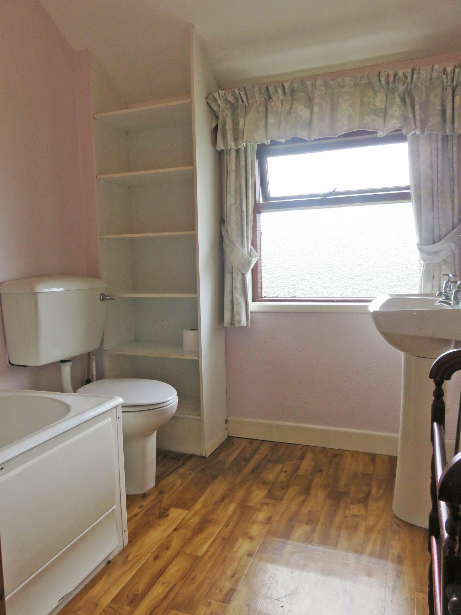 10. bathroom IMG_6671 bright