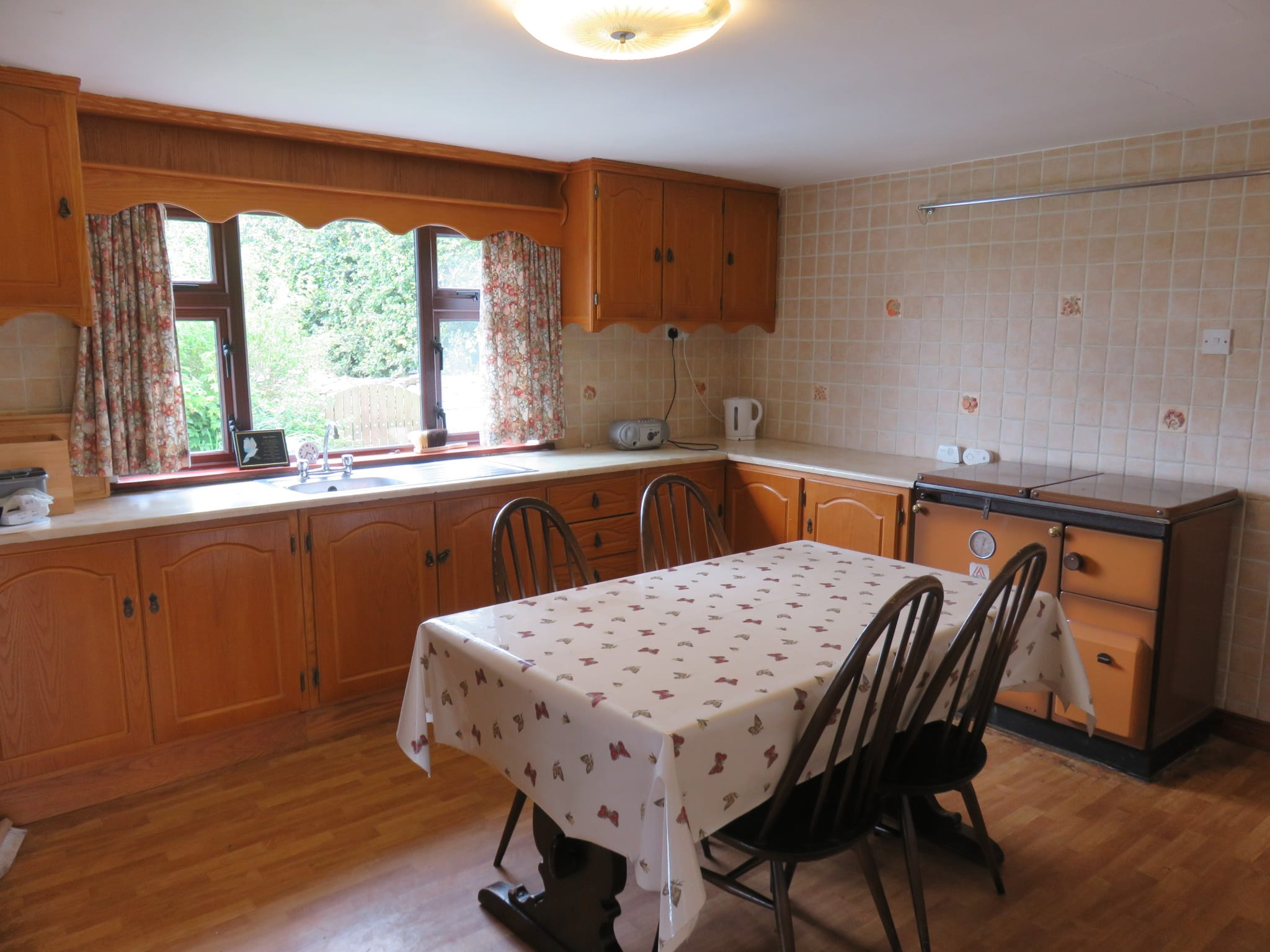 7. Kitchen IMG_6685