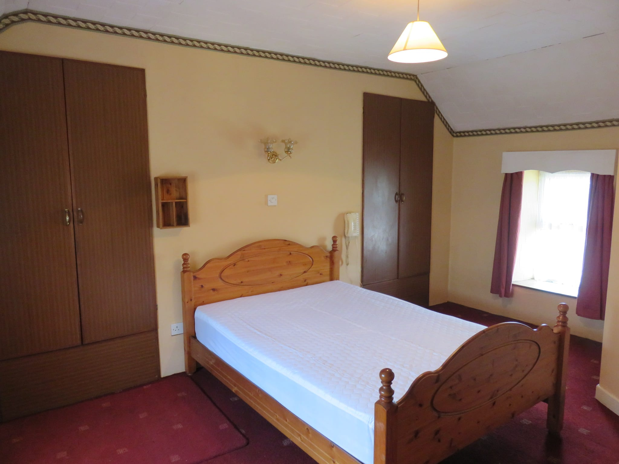 6. Bed 1 IMG_7598