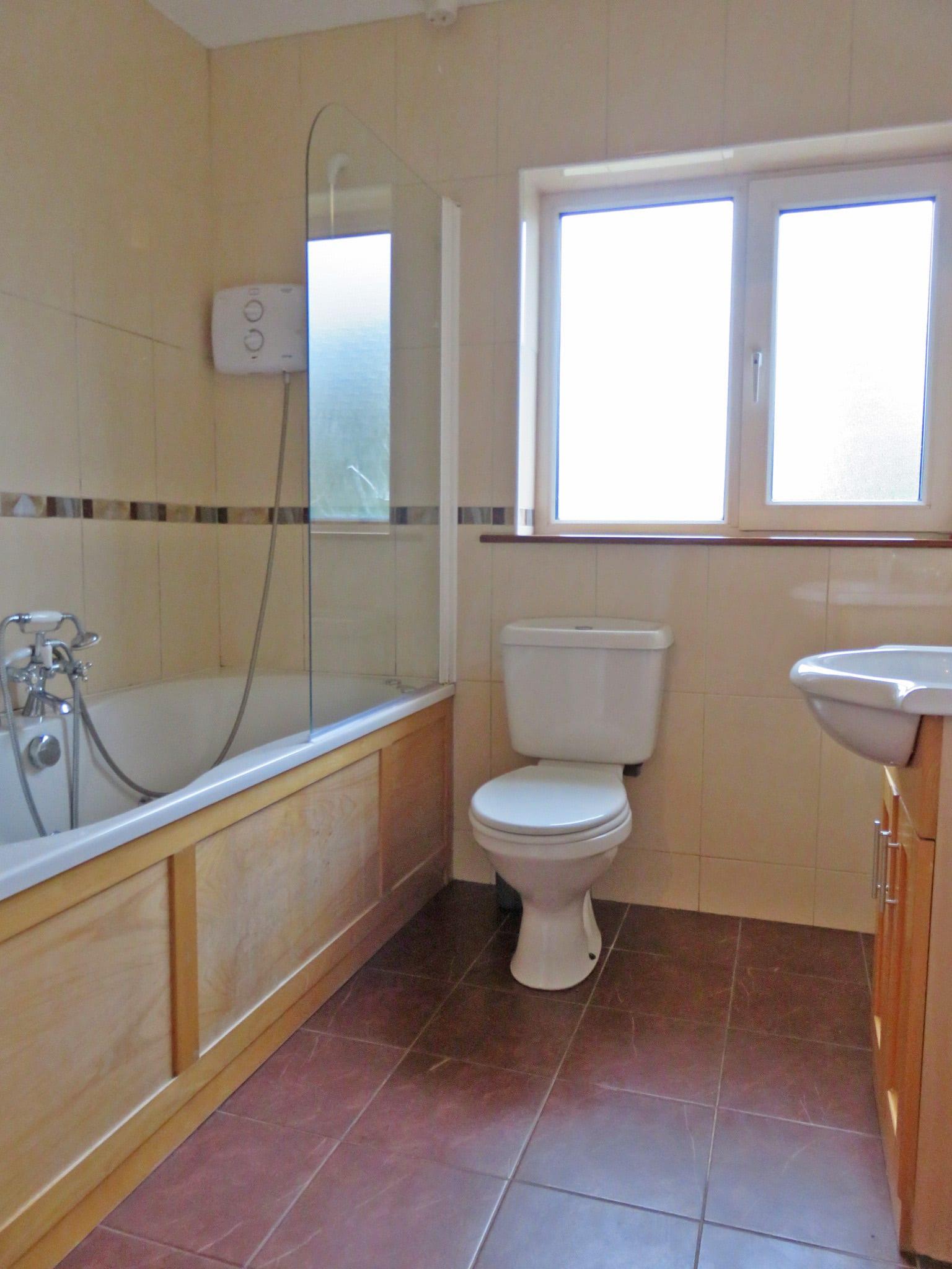 10. Bathroom IMG_8120 bright